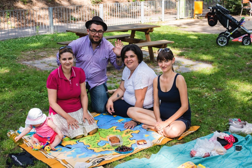 Prague mothers and fathers summer picnic. Italia, Czech Republic, Costa Rica, Russia.