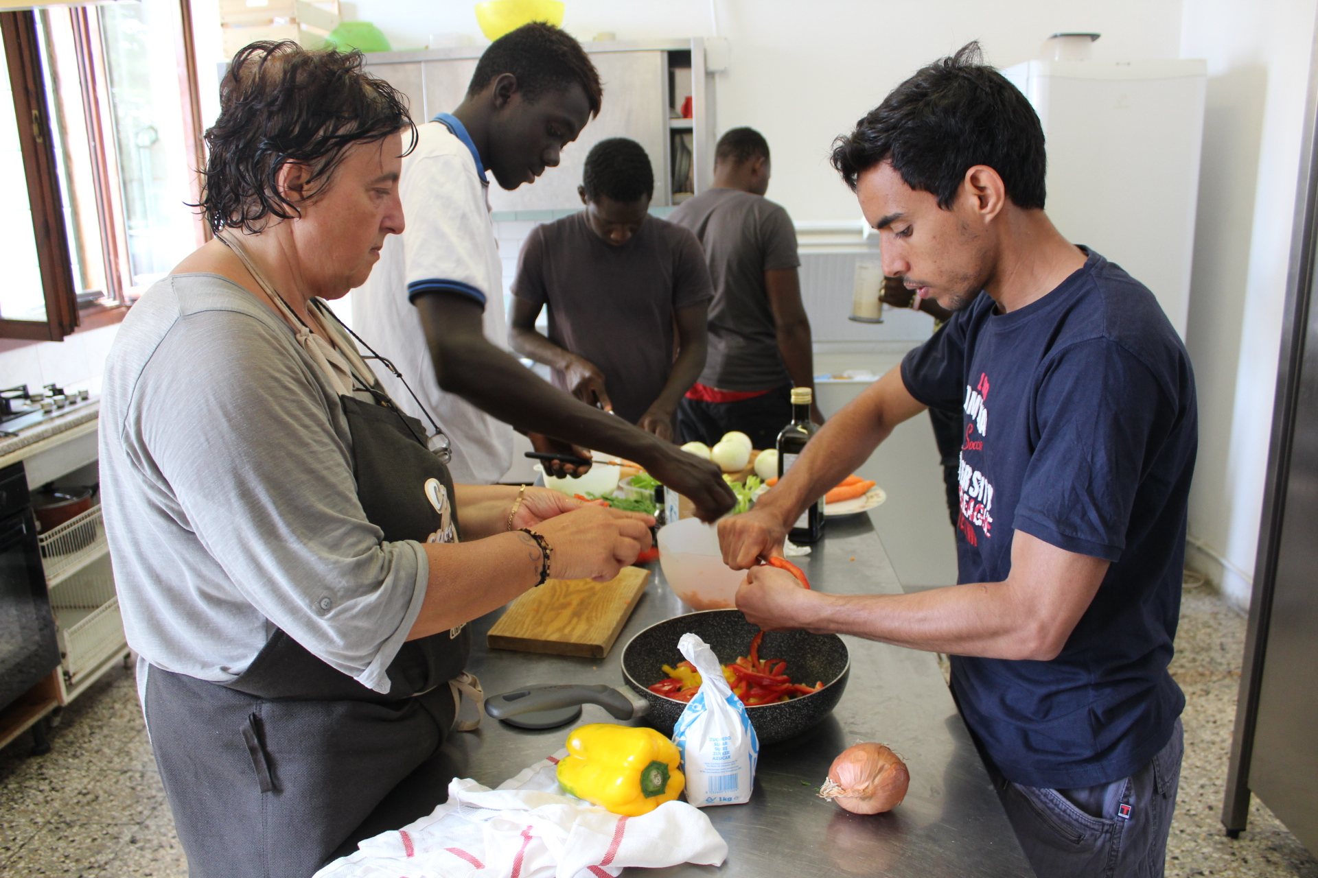 "Sprar structure – a training of ""natural cooking"" organized by the Cooperative ""Città Solare"", the Municipality of Rubano and the Open Your Borders Association, directed to the guests of Sprar."